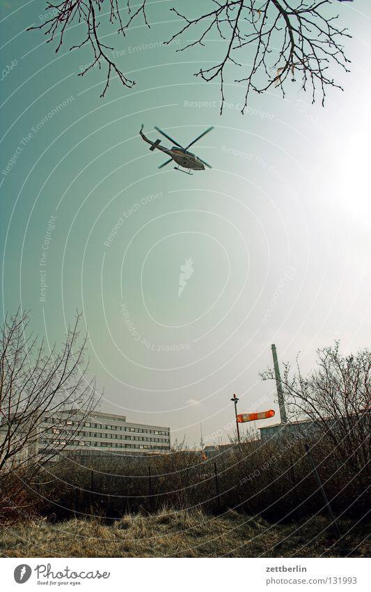 Ab die Post bzw. ab der Hubschrauber! Himmel Wind Angst Beginn Luftverkehr Abheben Panik Notfall Harrier Windsack