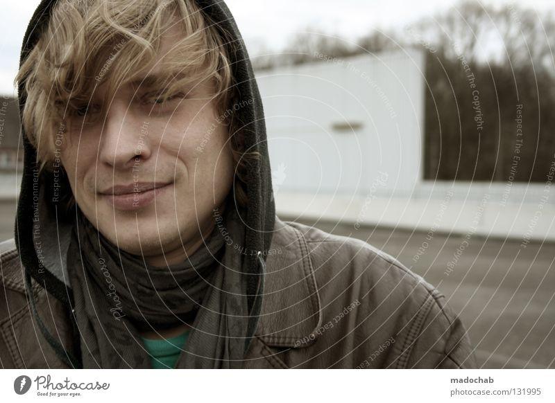 Portrait Lifestyle Stil Glück Gesicht harmonisch Wohlgefühl Zufriedenheit Erholung Mensch maskulin Junger Mann Jugendliche Erwachsene Leben 18-30 Jahre blond