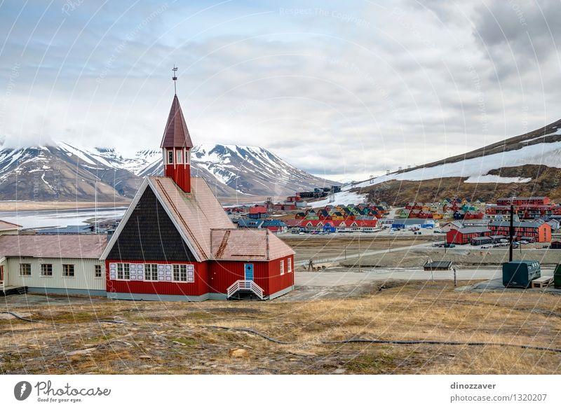 Longyearbyen Kirche Ferien & Urlaub & Reisen Tourismus Sightseeing Sommer Garten Landschaft Pflanze Blume Gras Hügel Dorf Kleinstadt Stadt Gebäude Architektur