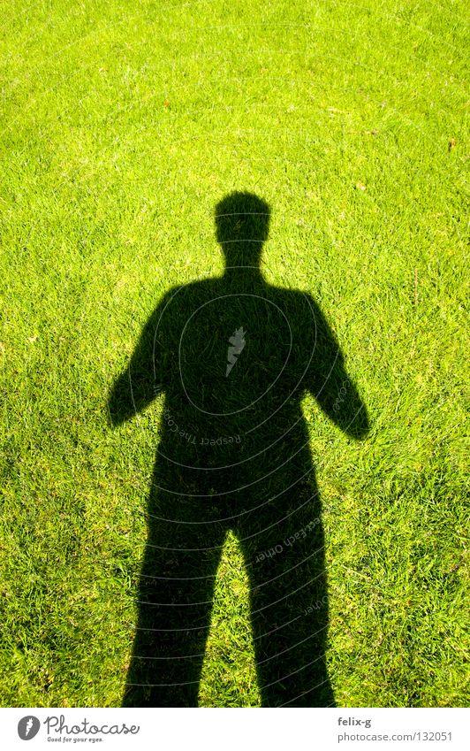 Rasenmensch #2 Mensch Hand Sonne grün Gras Beine hellgrün Schlagschatten