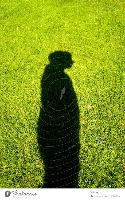 Rasenmensch #3 Mensch Hand Sonne grün Gras Beine hellgrün Schlagschatten