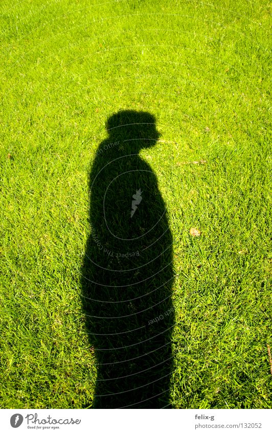 Rasenmensch #3 Mensch Hand Sonne grün Gras Beine Rasen hellgrün Schlagschatten