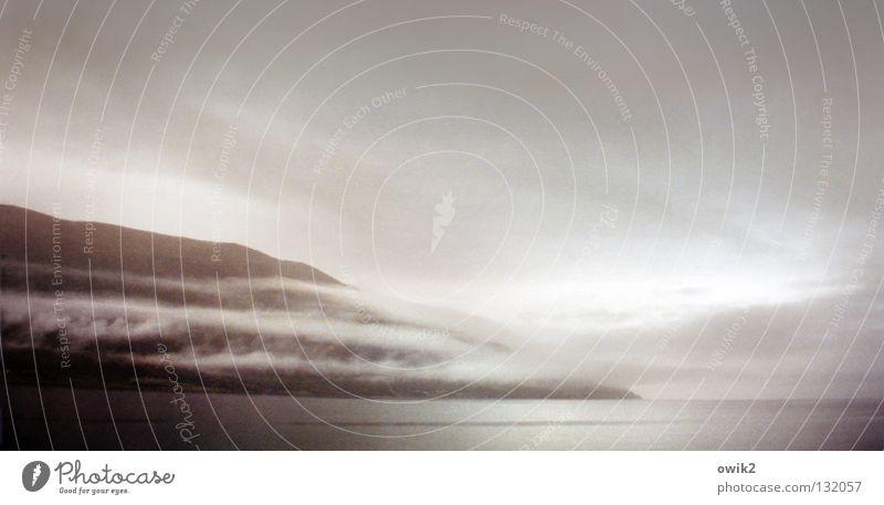 Lyngenfjord Himmel Natur Wasser Meer Landschaft Wolken Ferne Berge u. Gebirge Umwelt Felsen Horizont Regen wild Nebel Idylle Klima