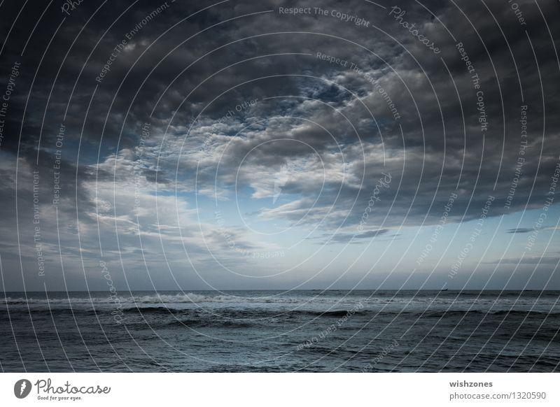 Drama Sky with Ocean Himmel Natur Ferien & Urlaub & Reisen blau Wasser Meer Landschaft Wolken Ferne Umwelt Bewegung Küste grau Horizont Luft Wetter