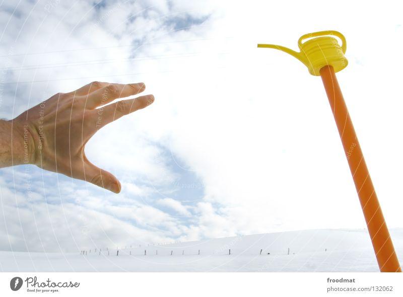 help me Hand Wasser schön Himmel weiß Winter ruhig Wolken Einsamkeit gelb kalt Schnee Erholung hell Zusammensein Kunst