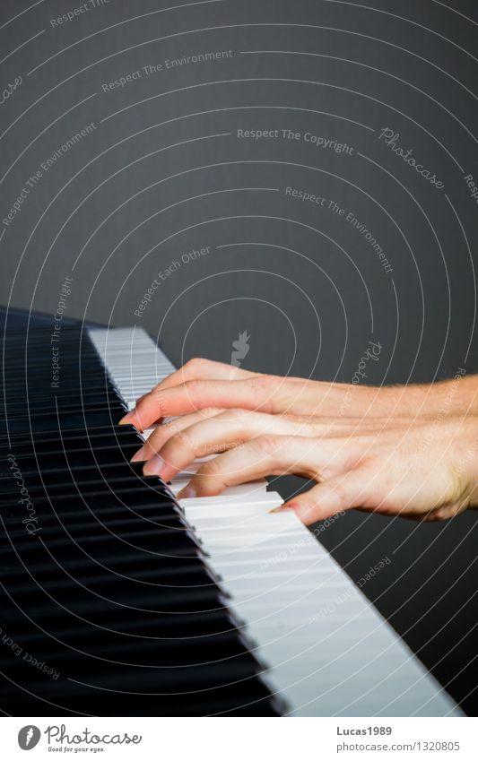 C-Dur Mensch Hand Kunst Musik lernen Finger Konzentration Konzert Sport-Training Künstler Musikinstrument Klavier Musiker üben Keyboard Akkord
