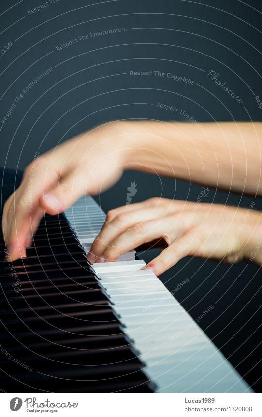 Klavierunterricht Bildung lernen Beruf Hand Finger Kunst Künstler Musik Konzert Musiker Klavier spielen musikschule Musikinstrument Musikunterricht Schüler