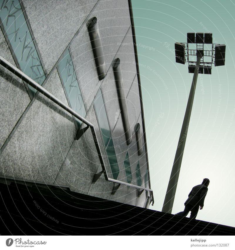 dreiklang dimensionen Pfütze Reflexion & Spiegelung Stadt Lampe Laterne Sonnenuntergang Romantik Haus Gebäude Mieter Mensch Herbst Wohnung Bewohner Fußgänger