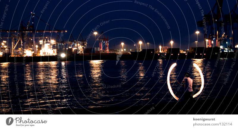 klammer auf - typ - klammer zu Licht Langzeitbelichtung Nacht Containerterminal Elbstrand Reflexion & Spiegelung dunkel Spielen Hamburg Feuer Brand Hafen