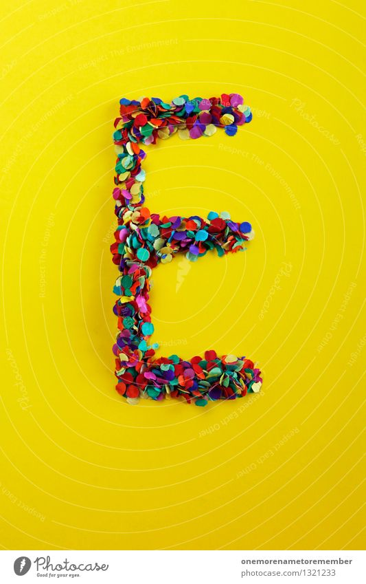 E gelb Kunst ästhetisch Ernährung einfach Buchstaben viele Typographie Kunstwerk Konfetti knallig Mosaik