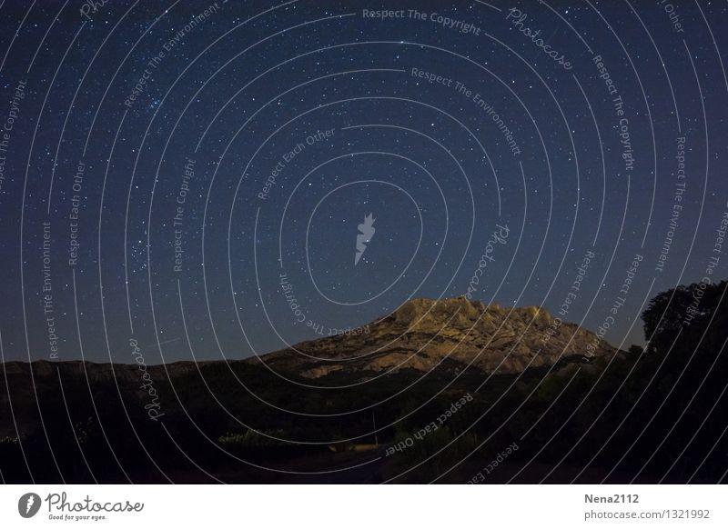 Sainte Victoire by night III Himmel Natur Landschaft dunkel Berge u. Gebirge Umwelt Luft Erde Klima fantastisch bedrohlich Stern Schönes Wetter Weltall Gemälde