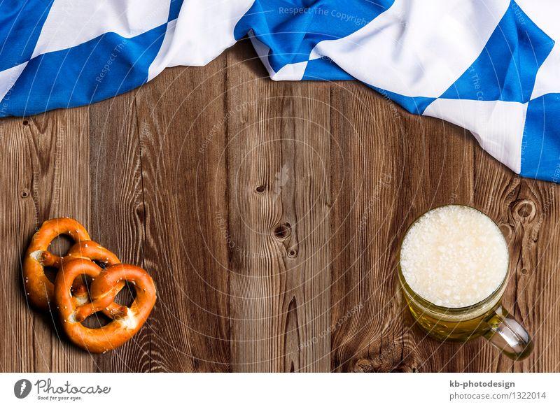 Bavarian flag on wooden board as a background Ernährung Getränk Glas Feste & Feiern Oktoberfest Fahne Essen Ferien & Urlaub & Reisen beer drinking invitation