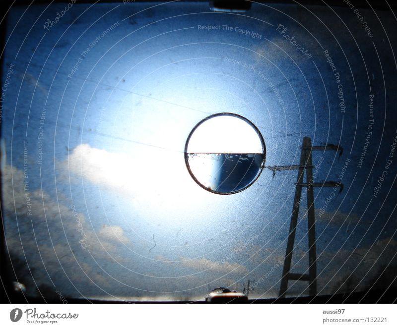 analoge sicht dunkel bezogen Regen Planet UFO Unschärfe schemenhaft Raster Muster Sucher Makroaufnahme Nahaufnahme Lomografie Gewitter bläulich Lichtschacht