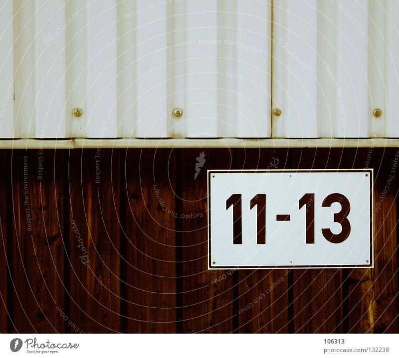 ELF BIS DREI ZEHN Wand Schilder & Markierungen 3 Industriefotografie Ziffern & Zahlen Zeichen Hinweisschild 10 13 Dock 11 Wellblech Hausnummer