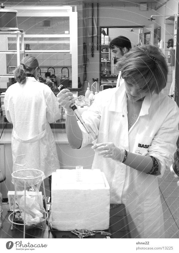 genlabor 2 Labor Wissenschaften Gensequenz Schüler