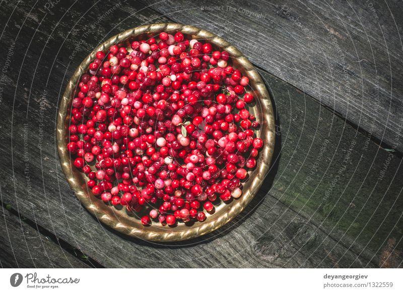 Cranberries in einer Schüssel Frucht Essen Diät Schalen & Schüsseln Tisch Küche Natur Herbst frisch hell natürlich saftig rot Beeren organisch roh Zutaten