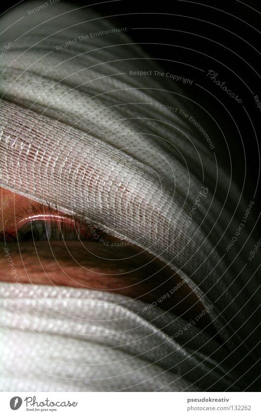 Philippe - emergency bandage Mann weiß schwarz Gesicht dunkel Kopf Traurigkeit Gesundheit Angst Trauer Maske geheimnisvoll gefangen Unfall Panik