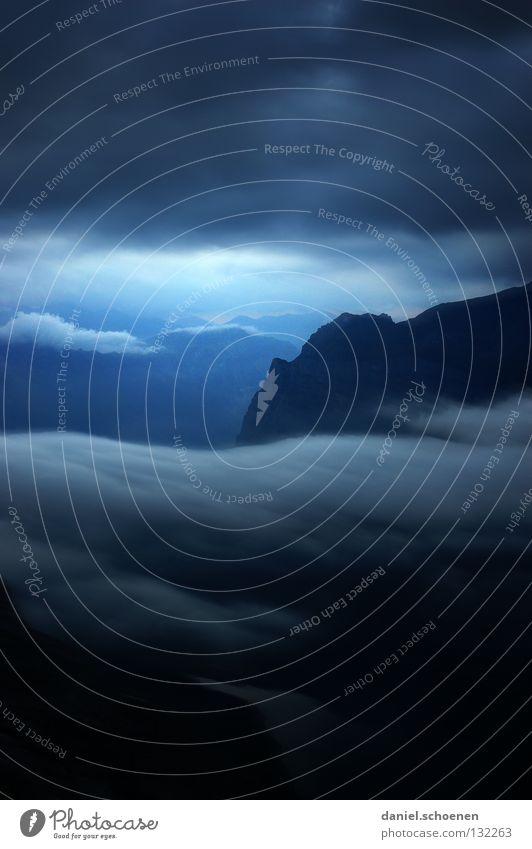 wie wird das Wetter morgen ? (Teil3) Sonnenuntergang Cirrus Klimawandel Schweiz Berner Oberland wandern Bergsteigen Freizeit & Hobby Ausdauer Wolken Hochgebirge