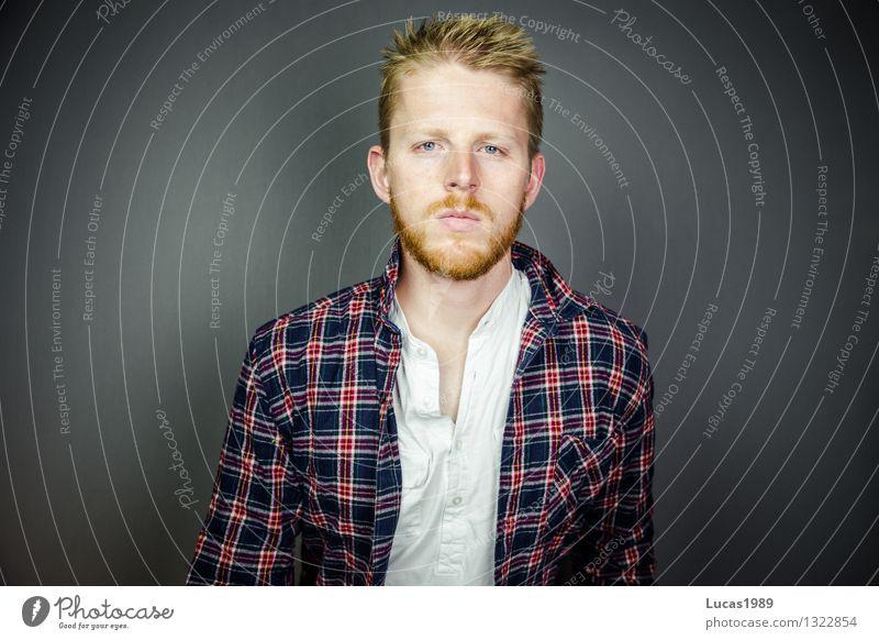 Holzfäller Mensch Jugendliche Mann schön Junger Mann 18-30 Jahre Erwachsene Stil Haare & Frisuren maskulin blond lernen beobachten Coolness Bildung Erwachsenenbildung