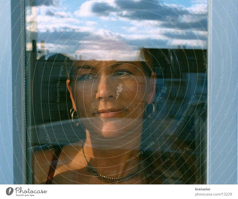 am Fenster Mensch Himmel träumen Denken