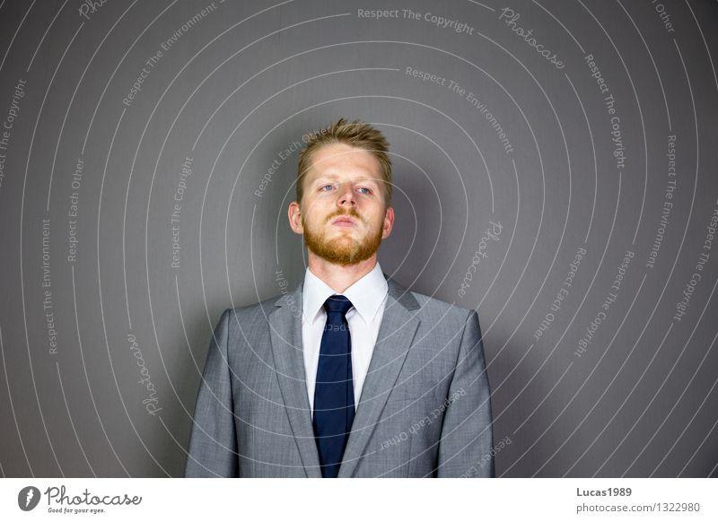 Wichtig Mensch Jugendliche Mann Junger Mann Erwachsene Haare & Frisuren Mode Business Arbeit & Erwerbstätigkeit maskulin Büro blond Bekleidung Beruf Bart
