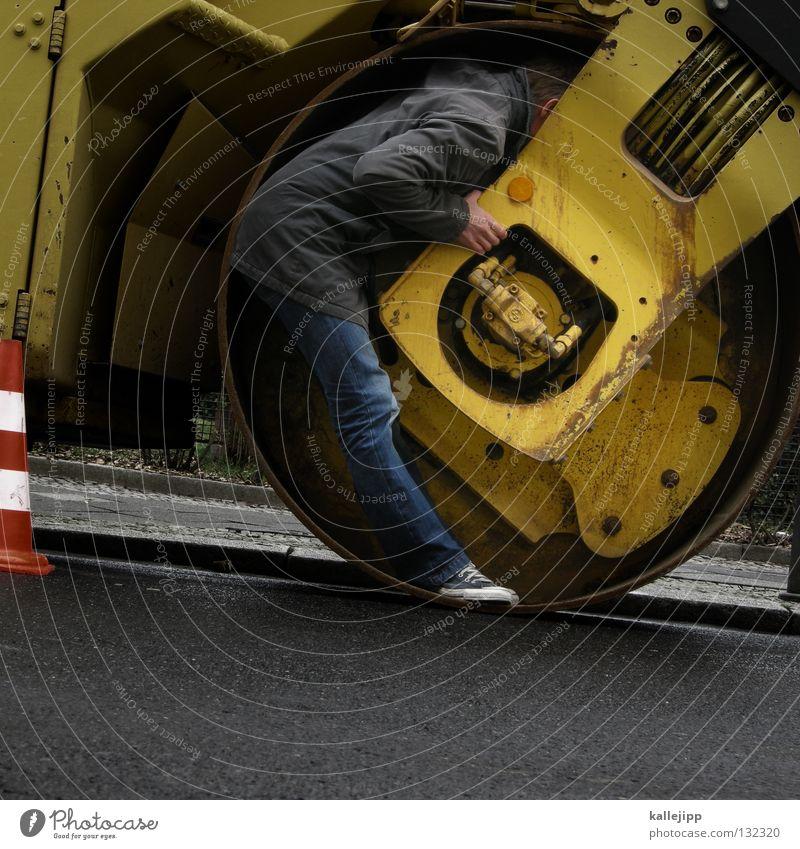 hütchenspieler on work Walze Baustelle Teer Maschine Unfall Angsthase Hut Baseballmütze Mütze Barriere Mann Mensch Lifestyle schlafen Jacke Mauer Trick Verkehr