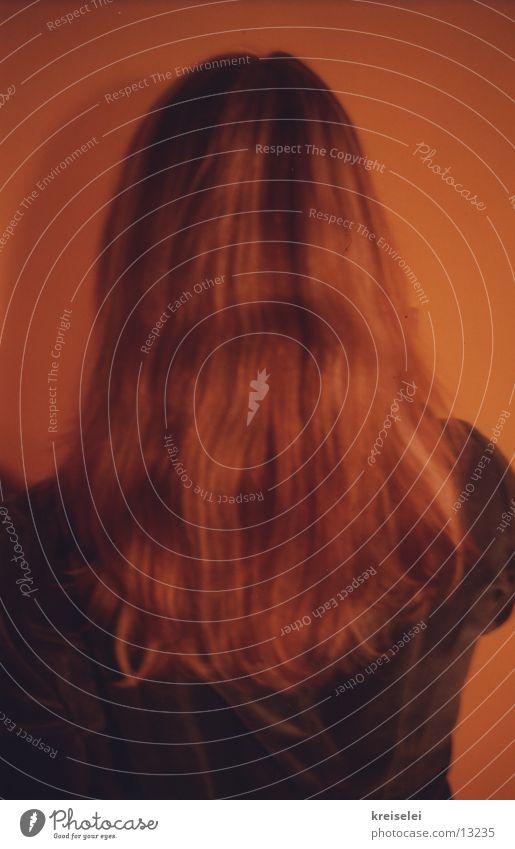 von hinten Frau feminin Haare & Frisuren Kopf blond Rückseite