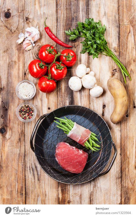 Aufsicht Leben Essen Holz Lebensmittel Lebensfreude Kräuter & Gewürze Gemüse gut Bioprodukte Fleisch Tomate Pfeffer Salz Chili Kartoffeln Steak