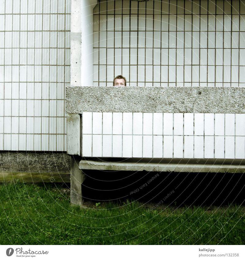 angst vor dem licht Mann Silhouette Dieb Krimineller Rampe Laderampe Fußgänger Schacht Tunnel Untergrund Ausbruch Flucht umfallen Fenster Parkhaus Geometrie