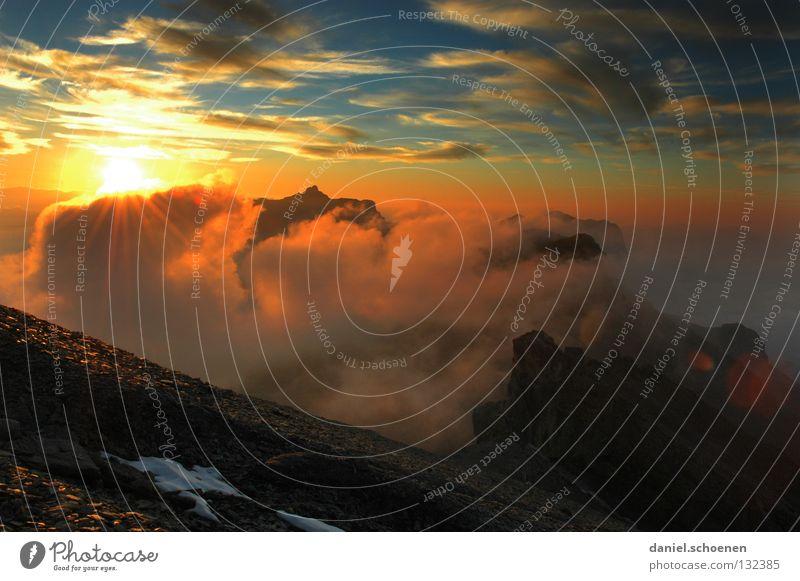 wie wird das Wetter morgen ? (Teil4) Himmel blau Farbe Sonne rot Wolken Ferne kalt Berge u. Gebirge gelb Hintergrundbild Freizeit & Hobby Luft Nebel Aussicht