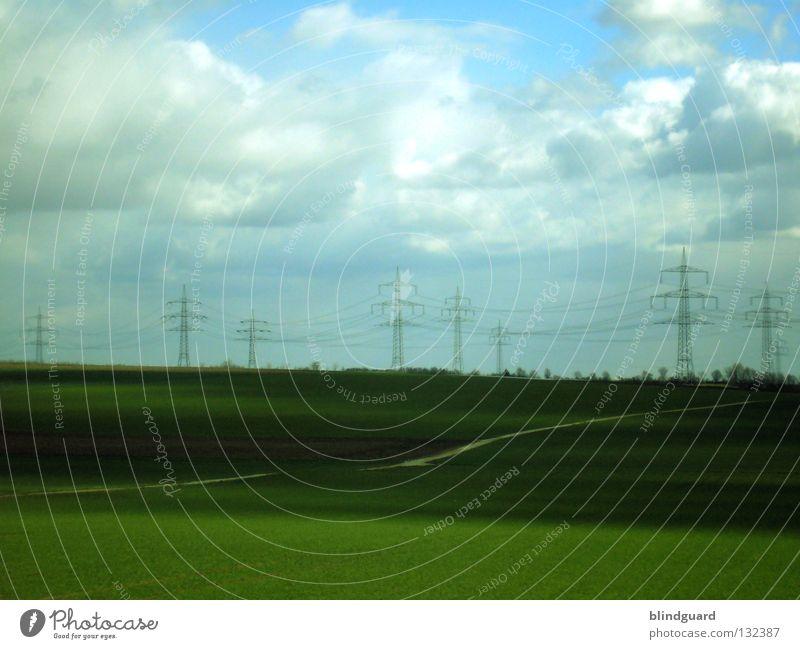 Überlandfahrt Natur Himmel grün blau Pflanze Wolken Arbeit & Erwerbstätigkeit Herbst Gras Frühling Landschaft Linie braun hell 2 Feld