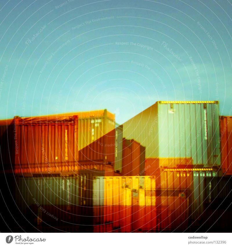 containerville Farbfoto abstrakt Textfreiraum oben Industrie Güterverkehr & Logistik Hafen Verkehr Container Handel Dienstleistungsgewerbe Ladung