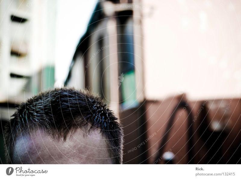 .Kopfbahnhof Mann alt dunkel Haare & Frisuren Gebäude Denken Metall hell Arbeit & Erwerbstätigkeit Haut Erfolg Aktion leer Eisenbahn Güterverkehr & Logistik