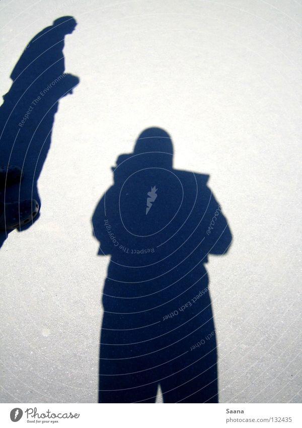 Schattenspiel Statue schwarz Schuhe Asphalt Langeweile Verkehrswege Freude Sonne Stein Boden