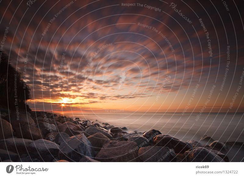 Sonnenuntergang Natur Ferien & Urlaub & Reisen blau Wasser Meer Landschaft ruhig Wolken Strand Küste Stein Felsen Tourismus Ostsee Mecklenburg-Vorpommern