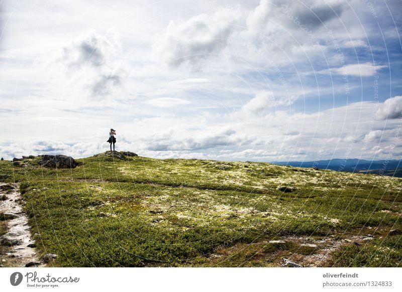 Norwegen IV - Rondane Nasjonalpark Mensch Himmel Natur Ferien & Urlaub & Reisen Jugendliche Junge Frau Erholung Landschaft Wolken Ferne 18-30 Jahre