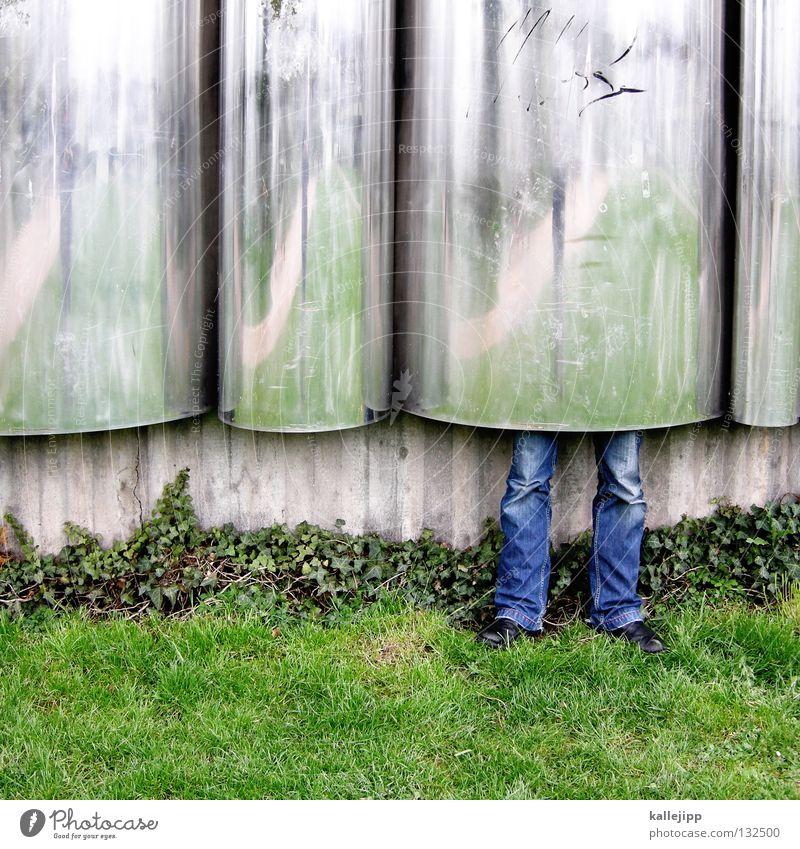 1400_ritter ohne furcht und tadel Mensch Mann grün ruhig Erholung Gras Architektur Garten lustig Beine Kunst Park Humor Beton verrückt Wachstum