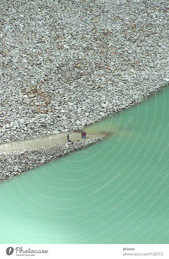 unterbrochen Wasser grün Einsamkeit Ferne oben Berge u. Gebirge Stein Wege & Pfade klein 3 geschlossen leer Energiewirtschaft Elektrizität Pause Fluss