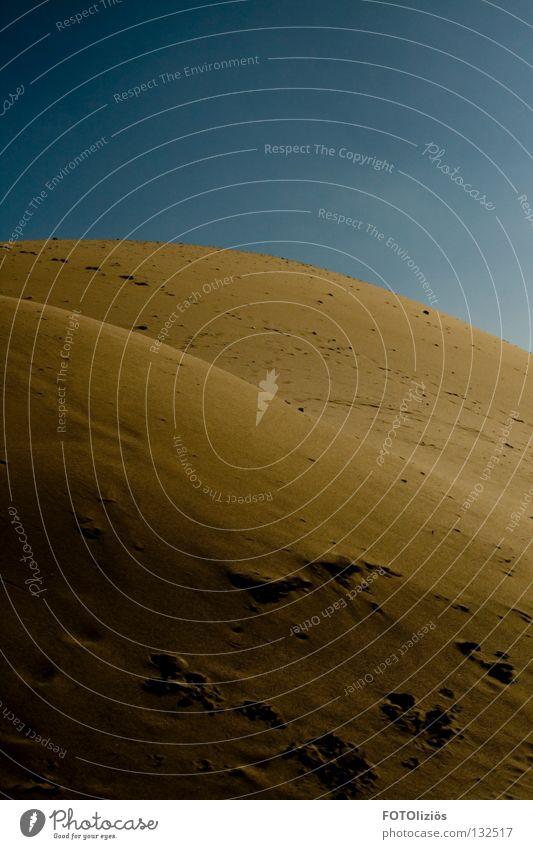 wüstenfeeling im sandwerk III Himmel Sand Wärme Physik Wüste Spuren trocken Stranddüne Schönes Wetter Fußspur Sandkorn