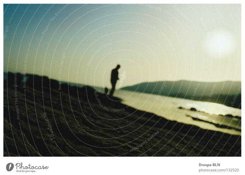 Coast to coast. Spanien Andalusien Küste Meer Ferien & Urlaub & Reisen Dämmerung steinig Felsen Strand Girbraltar Sonne Silhouette Wasser spain sun sea holidays
