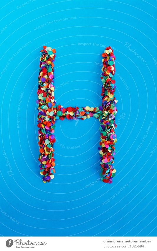 H Kunst Kunstwerk ästhetisch Buchstaben Typographie blau Konfetti Design Kreativität mehrfarbig Farbfoto Innenaufnahme Experiment abstrakt Menschenleer