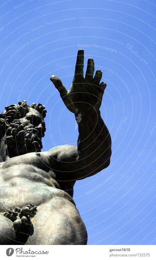 Neptuns Schniedel Himmel Hand alt schön blau nackt Kunst Brunnen Denkmal Vergangenheit Bart Statue Wahrzeichen Schönes Wetter Gott Schwanz