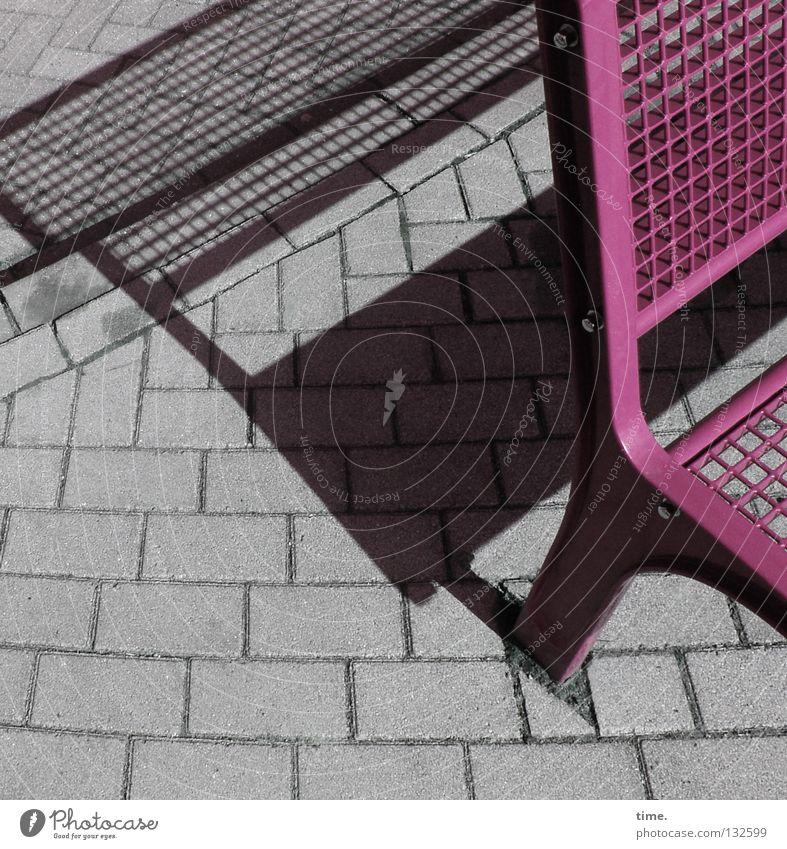 Naherholung - Sparversion 1 Platz Licht Pause Möbel Sitzgelegenheit lackiert mehrfarbig offen Ecke Gitter Raster Erholung Detailaufnahme Verkehrswege Bank Stein
