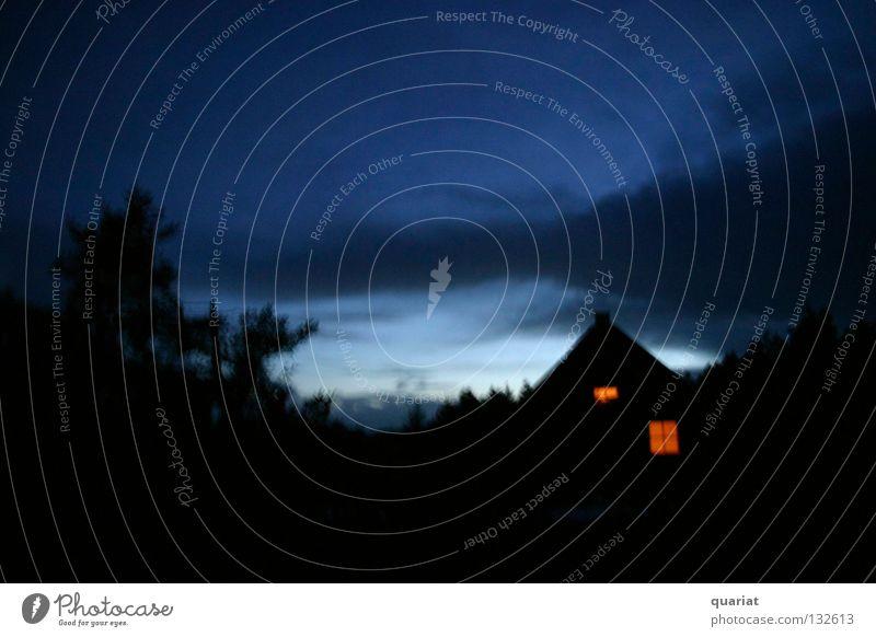 Abendromantik Himmel Haus Wolken Einsamkeit dunkel Romantik