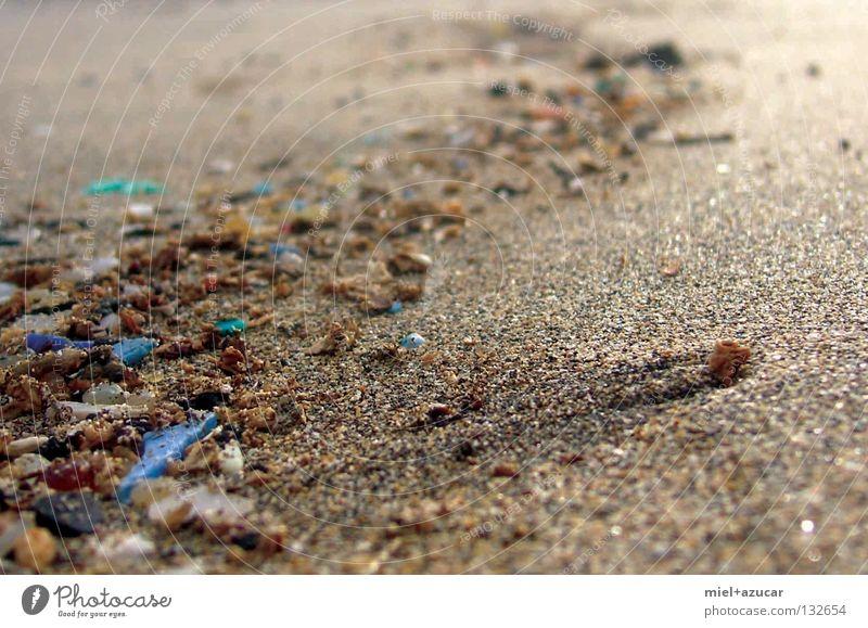 strand blau grün Sand klein Stein nah Scherbe