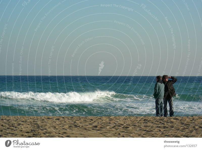 Pontus Finiens Meer Strand Wellen Horizont Blick Suche alternativ Küste Sandstrand Zusammensein Romantik Sehnsucht Scheidung gebunden Barcelona Paar Aussicht