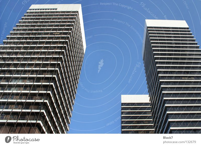 fingers Business Arbeit & Erwerbstätigkeit Fassade modern Hochhaus Bürogebäude Stahlträger Glasfassade