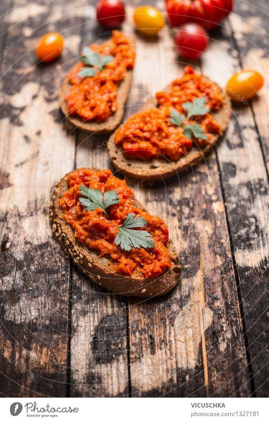 Brot mit vegetarischem Gemüse Aufstrich Lebensmittel Ernährung Mittagessen Büffet Brunch Bioprodukte Vegetarische Ernährung Diät Stil Design Gesunde Ernährung