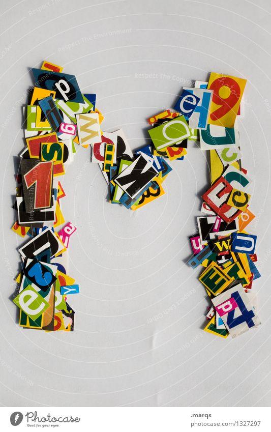 M Stil Design Bildung Schriftzeichen Schnipsel Lateinisches Alphabet Farbfoto mehrfarbig Freisteller Hintergrund neutral
