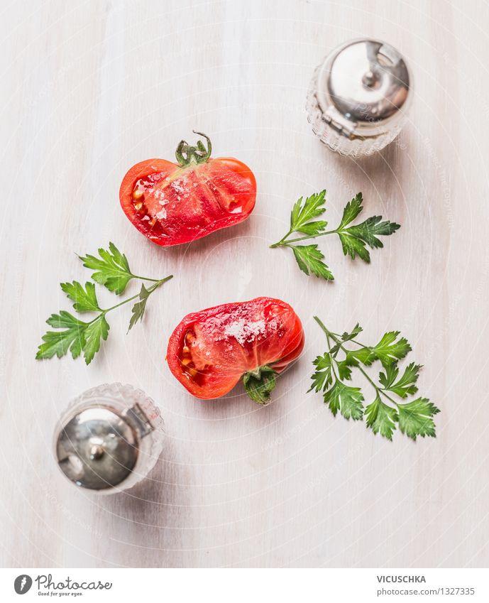 Bio Tomaten auf dem weißem Tisch Lebensmittel Gemüse Salat Salatbeilage Kräuter & Gewürze Ernährung Mittagessen Bioprodukte Vegetarische Ernährung Diät Stil